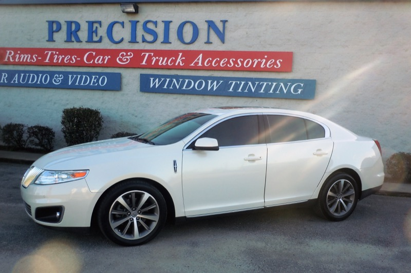 Lincoln MKS Llumar Window Tint